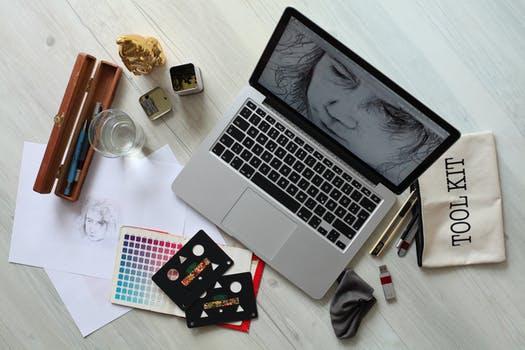 Toronto-graphic-designer Jpeg